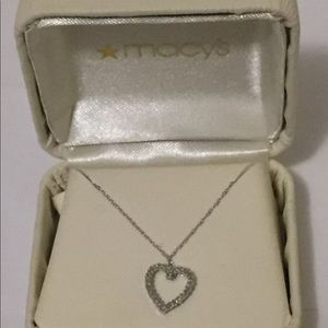 Jewelry - Heart necklace bridge Diamond